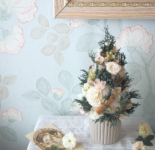 Arbre de  Noël<Rose blanche> *クリスマスツリーアレンジメント*プリザーブドフラワー*花