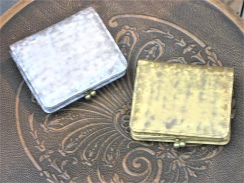 【afd・アンチフォルムデザイン】【日本製】【革プリント箔】(2color)がま口 二つ折り財布(角型)Tz-120