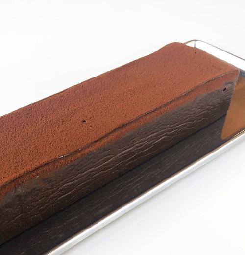 アカゲラチョコレートケーキ