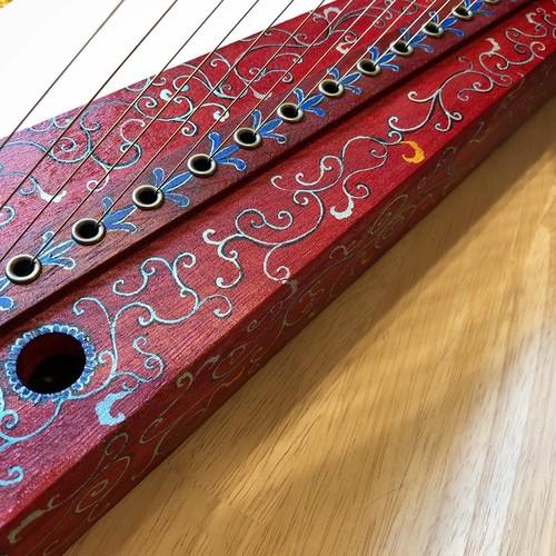 20弦桐製金属弦ハープ(唐草模様 op.207)