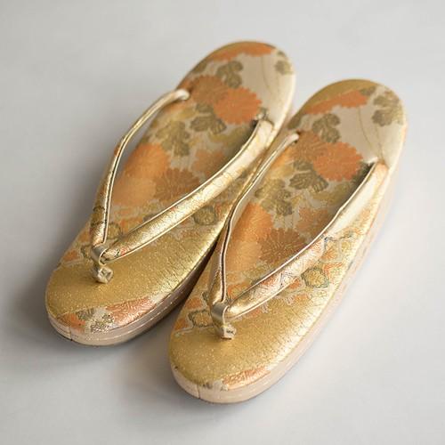 礼装用 バッグ・草履セット 金色地に花柄