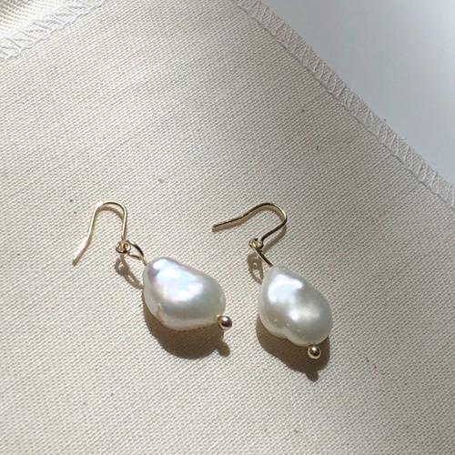 pearl earring #5