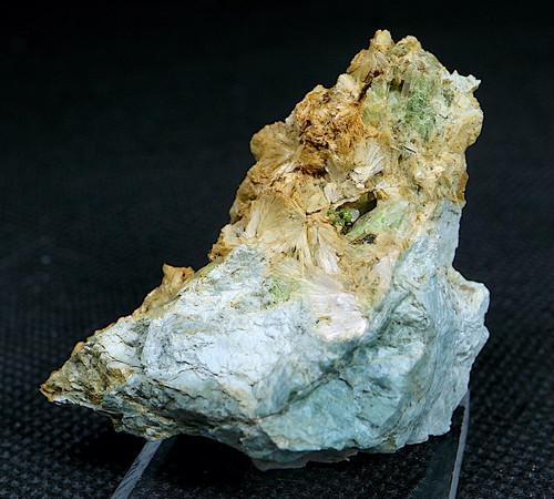 ※SALE※ カリフォルニア産 ダイオプサイド + ウバロバイト  25,4g  DPT008 原石 鉱物 天然石 パワーストーン