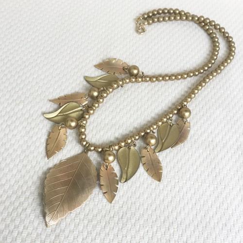 vintage necklace -leaf-