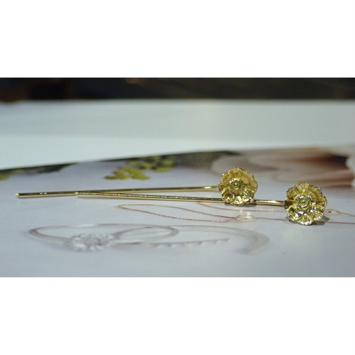 Anemone K18YG Fook Earrings