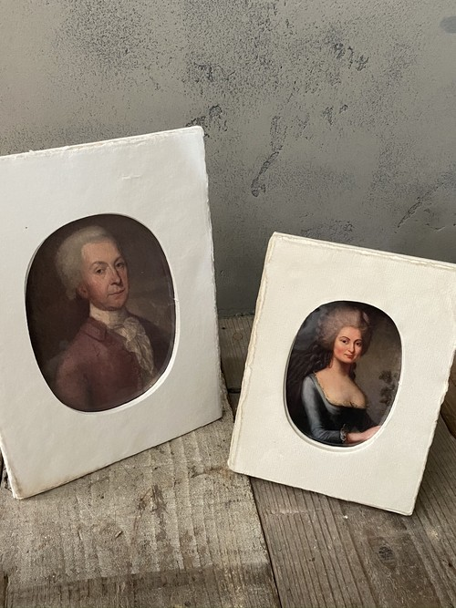 Oval picture frame (medium)