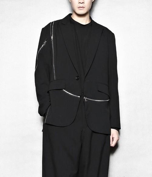 メンズカジュアルジャケット。チャックが個性的ブラックカラー