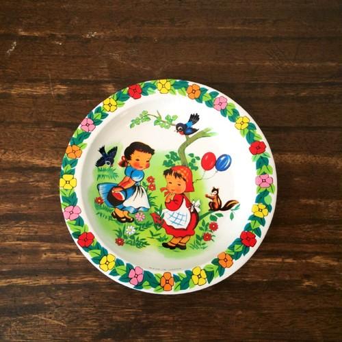 古いブリキのお皿