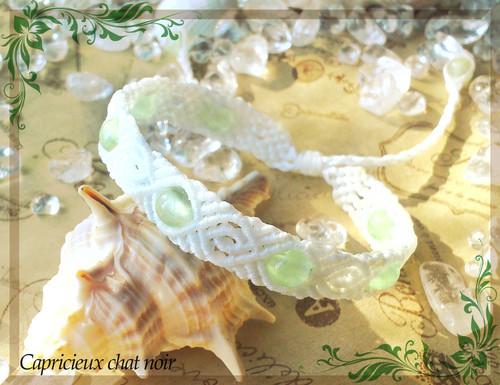 パターン編みのマクラメブレスレット(白/プレナイト)