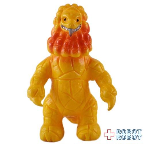 ブルマァクミニソフビウルトラ怪獣 ダンガー 黄色成形 オレンジスプレー
