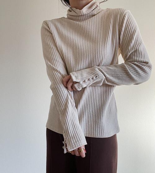 【écru】Kurumi button Turtle pullover
