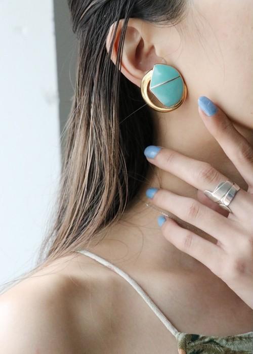 dead stock pale blue earrings