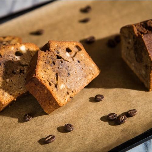 【母の日】ブラックムーン(コーヒーとウォッカのケーキ)<お酒を使った大人の焼き菓子>ミニカーネーション付き