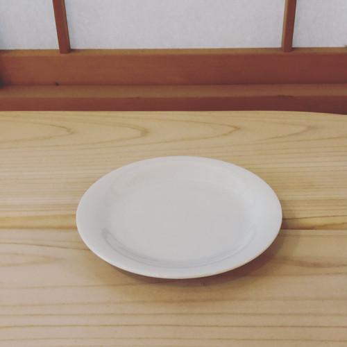 柳宗理デザイン 天草高浜焼 白磁皿