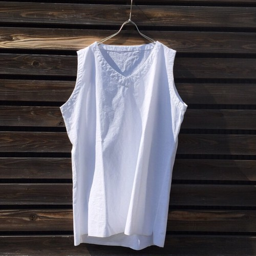 The Sakaki thebang Vneck n/s white