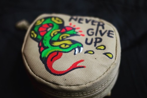 Hand Painted Bag Black Smith ORIGINAL ウエストポーチ(NEVER GIVE UP×ヘビ×中にはBottoms up!!!)