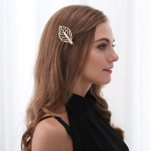 リーフ型ヘアークリップ金色 ☆木の葉のかわいいヘアアクセサリー ゴールド プチプラ