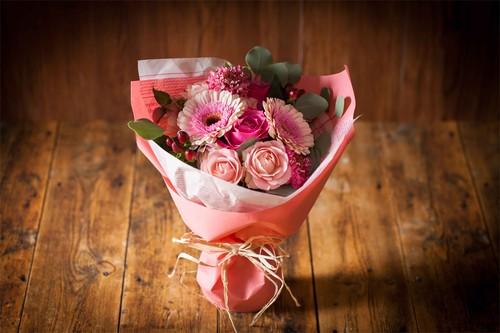 【花のプレゼント】ブーケ-ピンク-プレゼントにぴったり