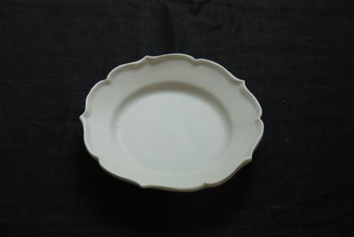 白磁稜花リム皿(小)