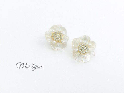 Mini shell flower earring*