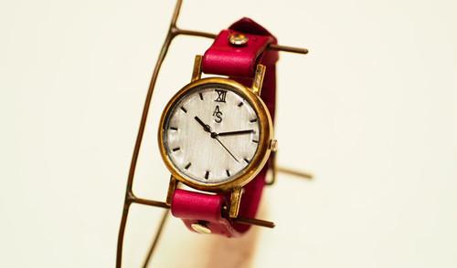シンプル刻印腕時計