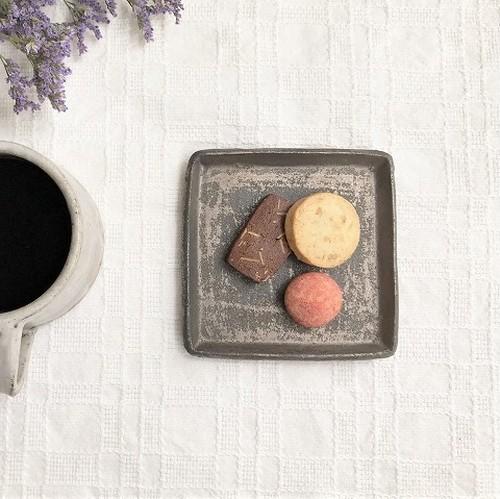 吉永哲子「黒の角平皿 3寸」