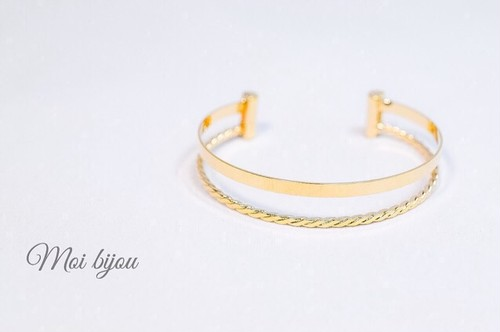 Double line fit bangle*gold