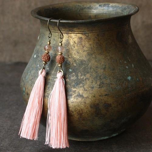 ピアス -rudraksha × strawberry quartz-