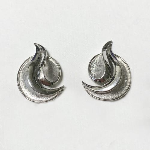 Vintage Trifari Silver Tone Modernist Design Earrings ①
