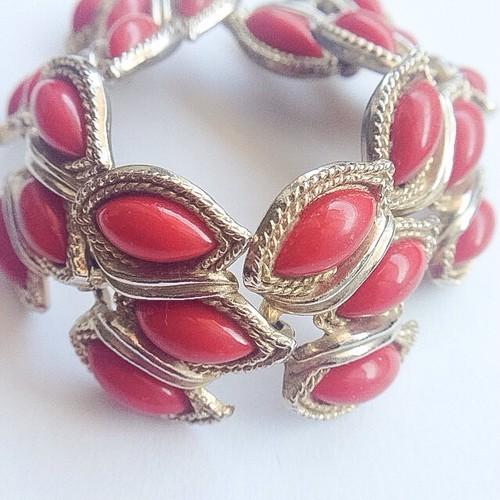 red bracelet[h-39]