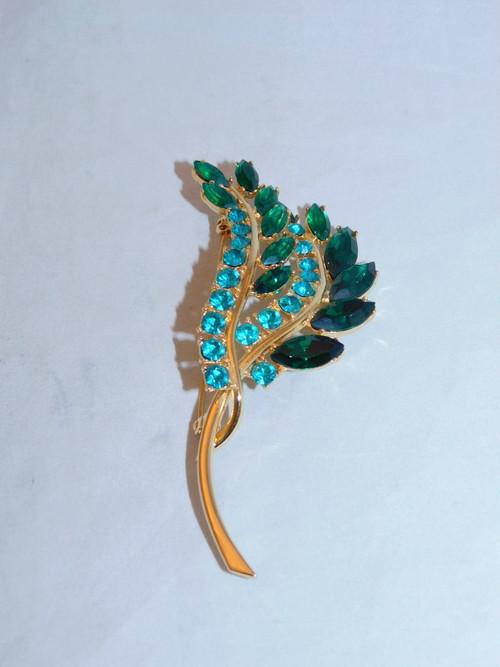 エメラルド色ブローチ(ビンテージ) vintage brooch (emerald green )