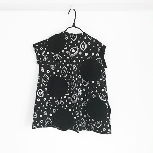 E/G UNEVEN DOTS ASYMMETRIC SLEEVES DRESS / LL