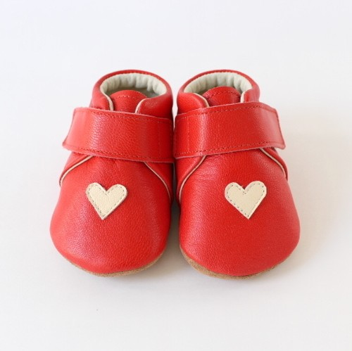 baby shoes(heart)red