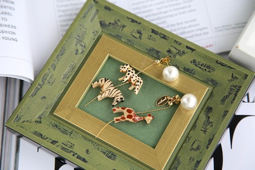 Woody animals earrings
