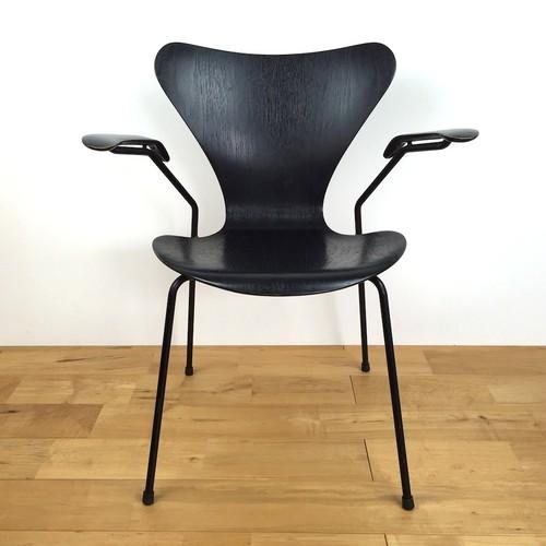 Fritz Hansen(フリッツ・ハンセン) アーム付セブンチェア 3207 Arne Jacobsen(アルネ・ヤコブセン) ブラック ビンテージ