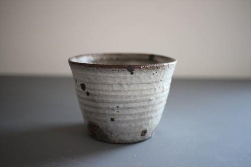 井上茂|粉引カップ