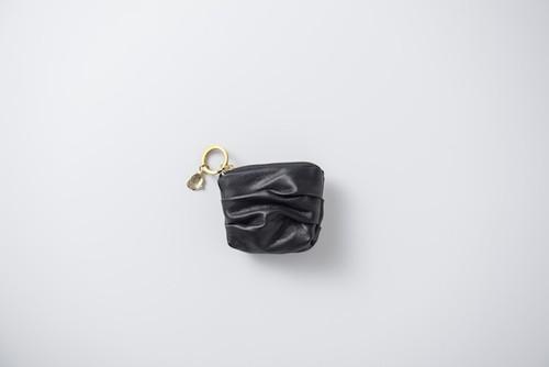 SIWA:leather keyholder. black