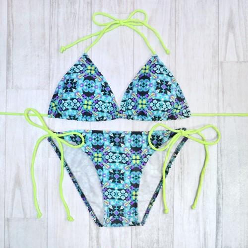 Triangle Bikini (トライアングル 水着)