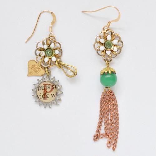 < Earrings >P-NO.824