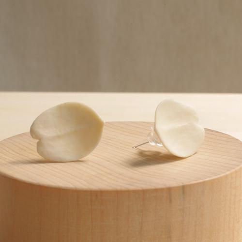 Antler Carving Petal - Stud Earrings