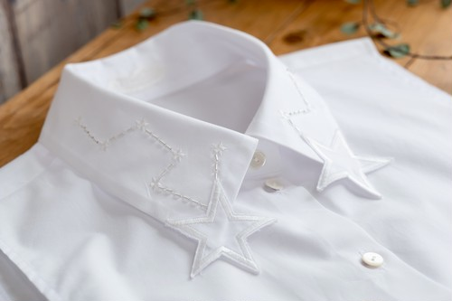 gi-LC-229 WH スター刺繍のジレ
