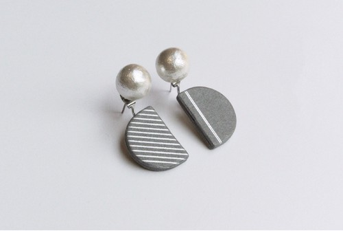 SEMI CIRCLE PIERCE / EARRING【GRAY】