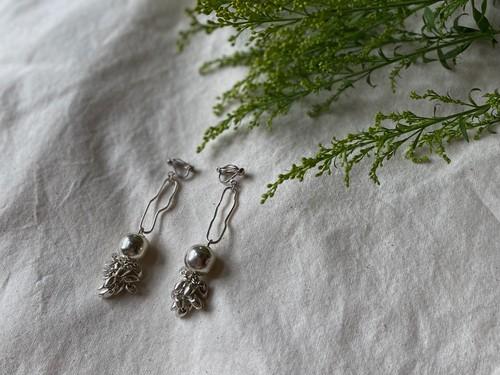 ball fringe organic pierce/earrings