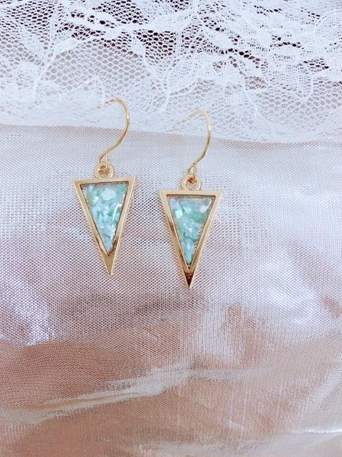 クラッシュシェルピアス 三角×ミントグリーン