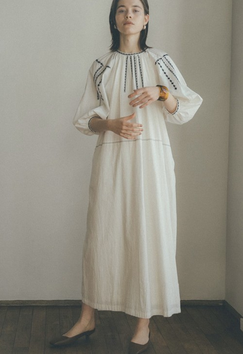 CLANE SMOCK EMBROIDERY ONE PIECE