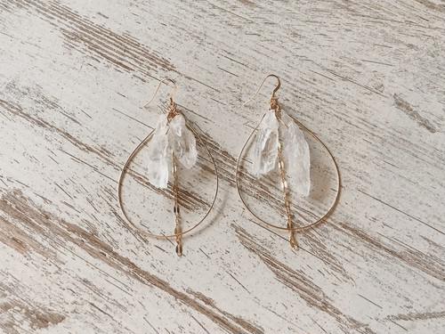 【14kgf】Crystal×gold chain tear-drop hoops