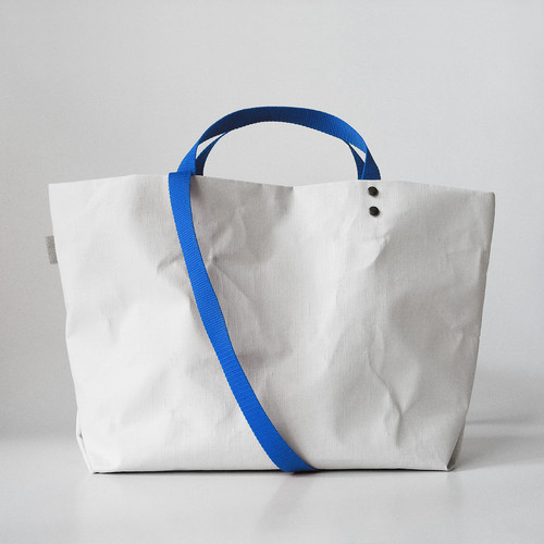 【N/no × E/zel.】SOME WAY LIGHT TOTE BAG (M+)_PP/BLUE