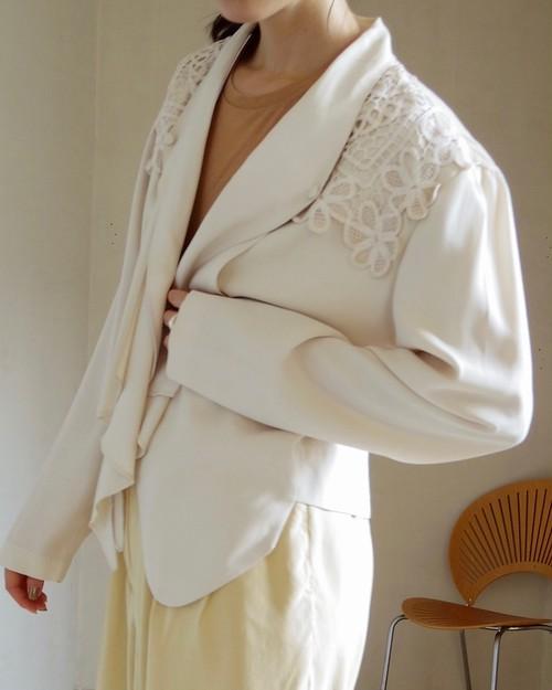 lace trimed blouse
