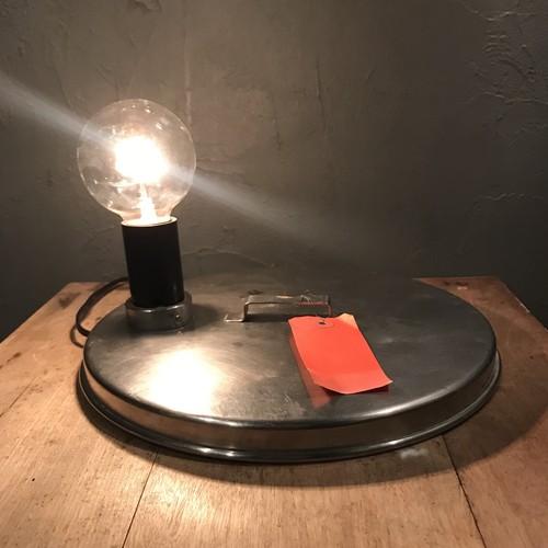 フタのランプ