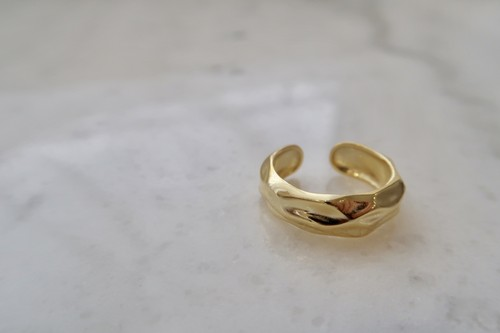 gold rock ring